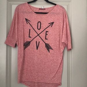 Tops - Boutique Love graphic T-shirt Medium
